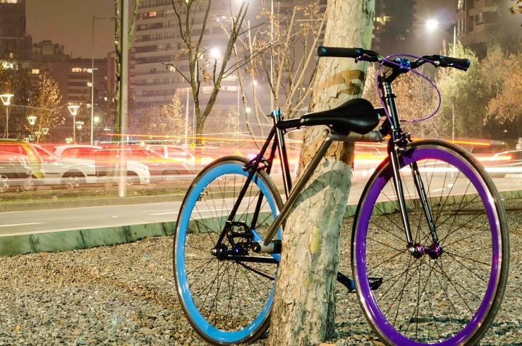 Bike e cadeado num único objeto